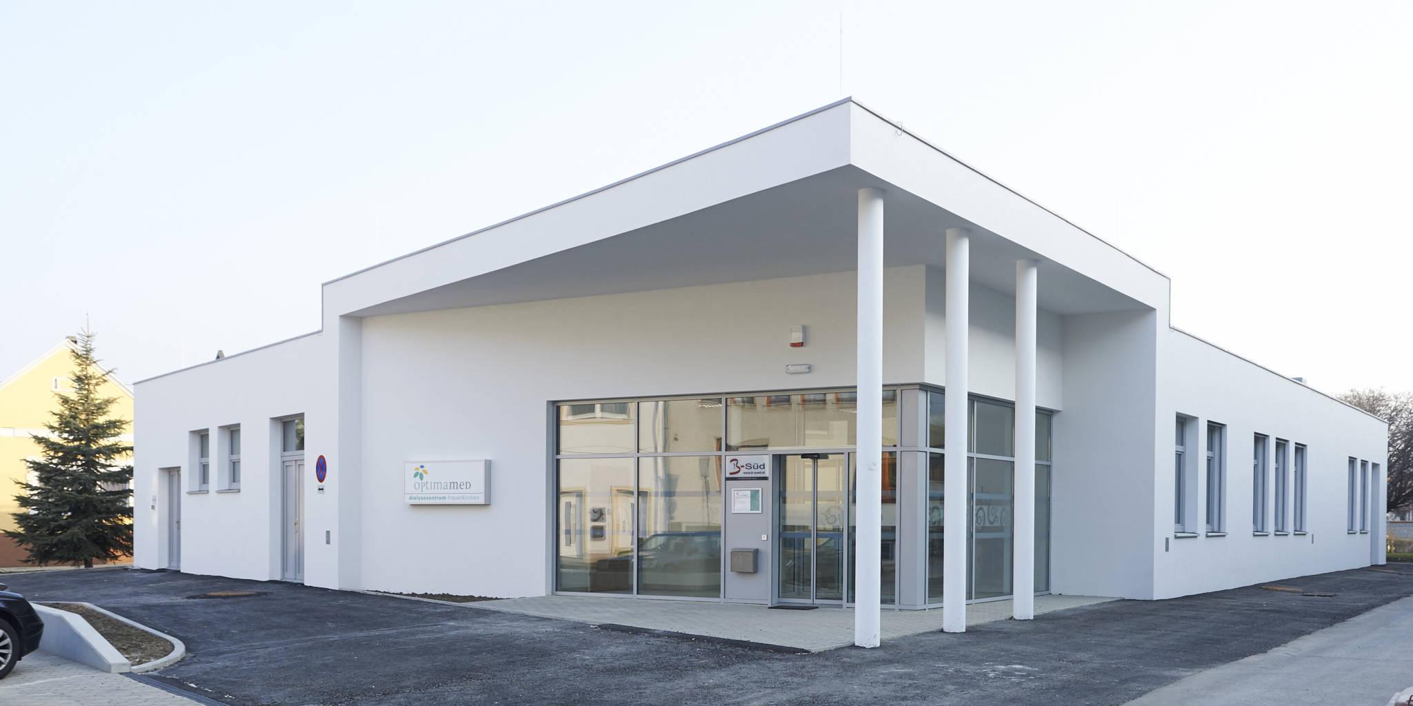 OptimaMed Frauenkirchen Dialyse Außenansicht